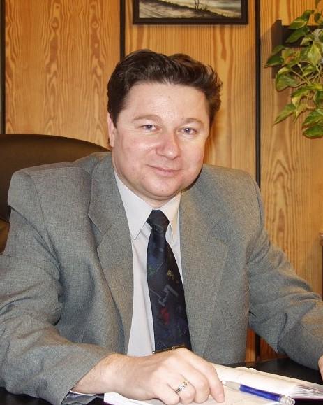 Ilka Alfréd (SK) a Bősi Vízerőmű igazgatója